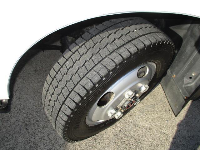 2t セミロング フルジャストロー 4WD ナビ ETC 4WD切り替え式 両側電格ミラー 車両総重量5t未満(16枚目)