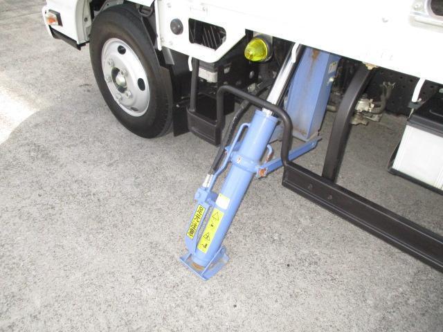 3t ロング 4段クレーン ラジコン付 横置きクレーン 簡易クレーン 2.22t吊り 全旋回型(13枚目)