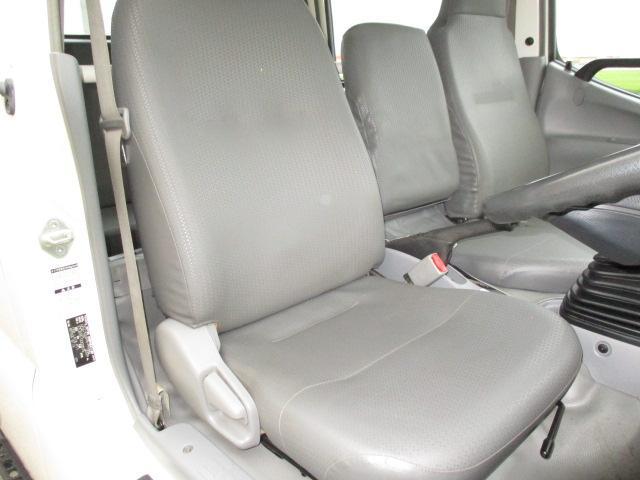 2t Wキャブ ロング 垂直パワーゲート 4WD ゲート昇降荷重600Kg 4WD切替え式 リアヒーター ETC(9枚目)