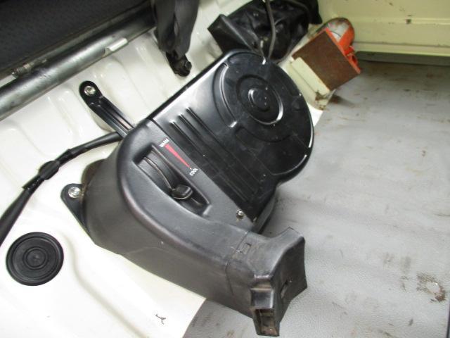 2t Wキャブ ロング 垂直パワーゲート 4WD ゲート昇降荷重600Kg 4WD切替え式 リアヒーター ETC(16枚目)