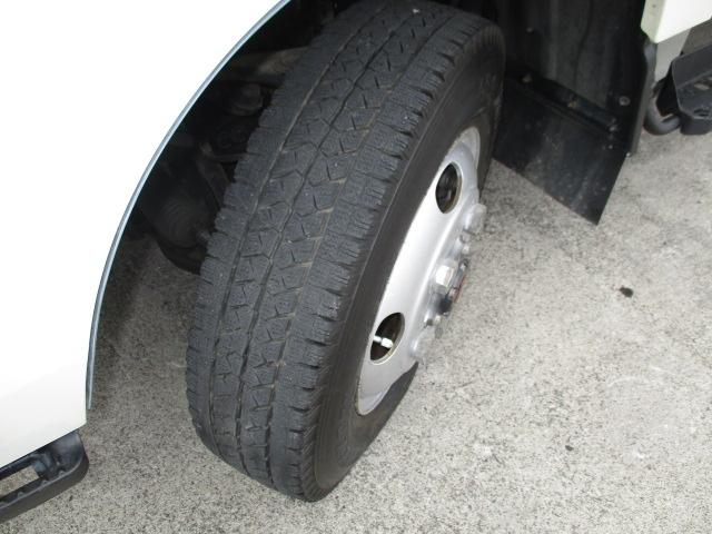 2t Wキャブ ロング 垂直パワーゲート 4WD ゲート昇降荷重600Kg 4WD切替え式 リアヒーター ETC(19枚目)