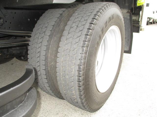 2t Wキャブ ロング 垂直パワーゲート 4WD ゲート昇降荷重600Kg 4WD切替え式 リアヒーター ETC(20枚目)