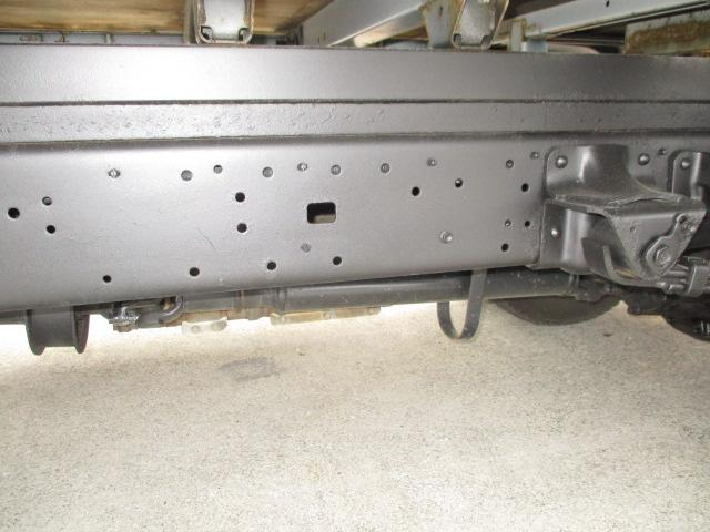 2t Wキャブ ロング 垂直パワーゲート 4WD ゲート昇降荷重600Kg 4WD切替え式 リアヒーター ETC(21枚目)
