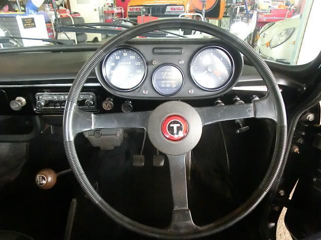 ステアリングはヨタ8後期型用 貴重なパーツです。