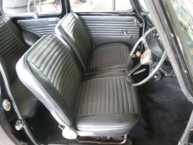 セパレートシートですが、左右の隙間はほぼありません。
