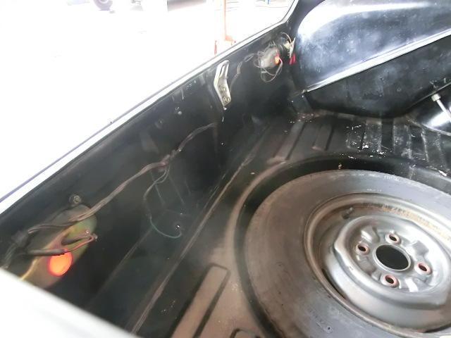 傷みやすいバックパネルの状態も良好。奥に見えるのはガソリンタンクです。