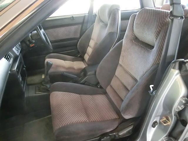 綺麗なフロントシートをご覧下さい。