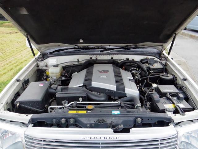 トヨタ ランドクルーザー100 VXリミテッド4WDワンオーナー背面タイヤ