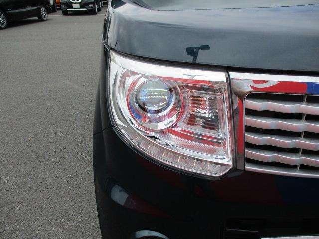 キセノン(HID)ヘッドライトなので 夜道を明るく照らしてくれます☆夜のドライブも安心ですね!