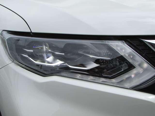 2.0 20X 2列車 4WD 衝突軽減ブレーキ インテリジェントキー LED 寒冷地仕様 ETC メモリーナビ アラウンドビューモニター 4WD 車線逸脱警告(17枚目)