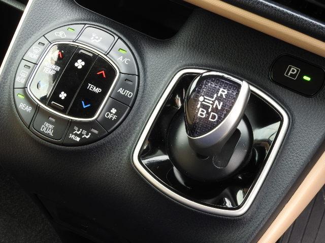 トヨタ ノア ハイブリッドX 地デジMナビ LED 両側自動ドア