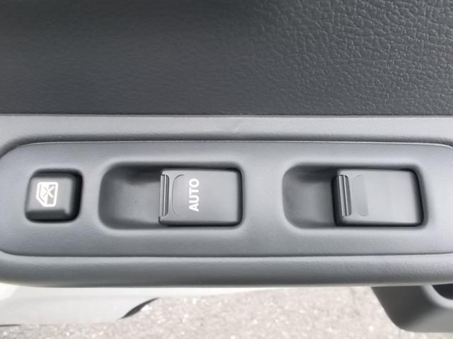 X 4WD 5速マニュアル車 CD キーレス(7枚目)