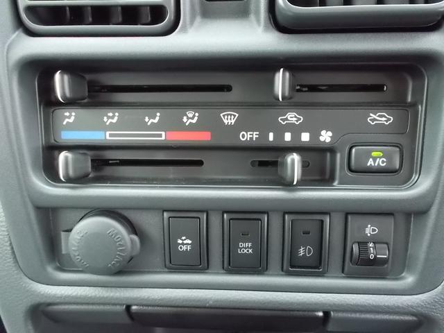 X 4WD 5速マニュアル車 CD キーレス(10枚目)