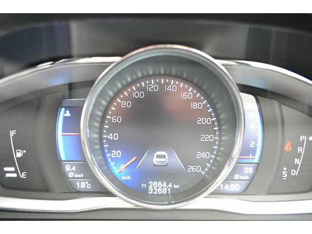 ボルボ ボルボ XC60 T5 Rデザイン