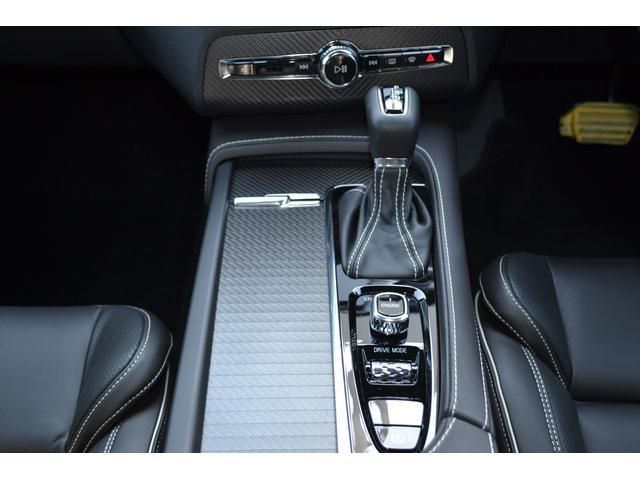 ボルボ ボルボ XC90 T6 AWD Rデザイン