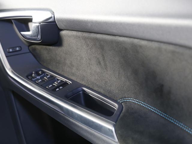 ボルボ ボルボ S60 T6 AWD POLESTAR 3.0リッターエンジン