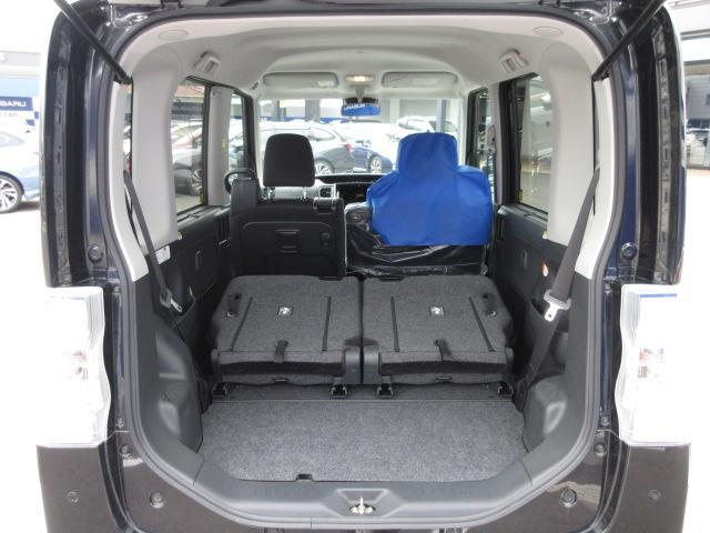 後席を倒せば軽自動車でも十分に荷物を積み込んでいただけます。