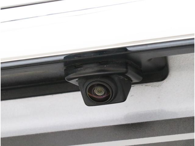 バックカメラ搭載!車庫入れやバックでの駐車など、目視で確認できない場面でも安心です!