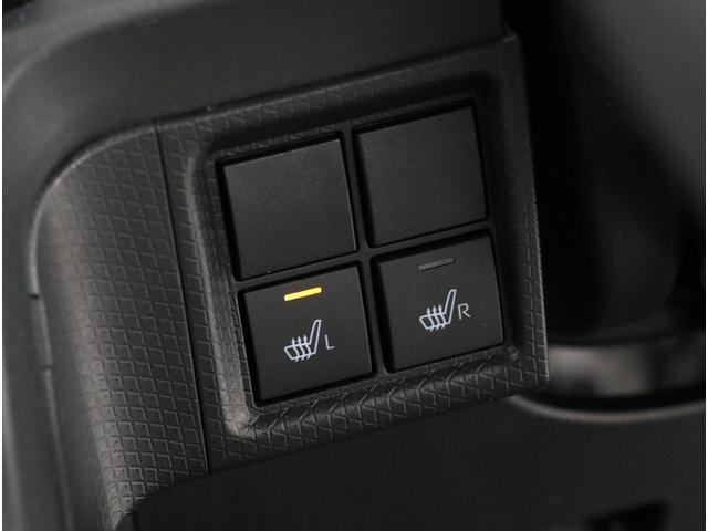 運転席、助手席にはシートヒーターが付いております!