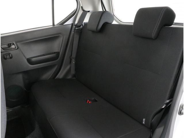 ベンチシートで車内全員がゆったりお過ごしいただけます!!