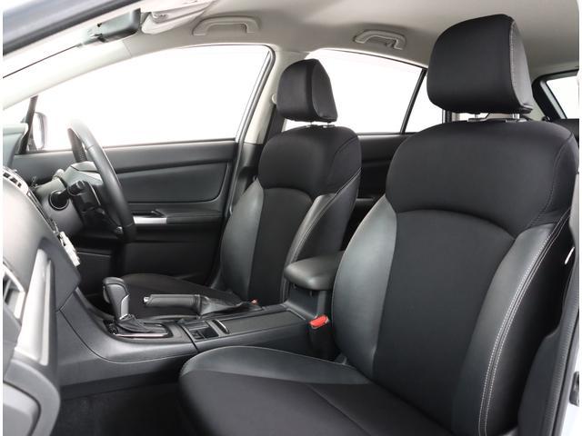 ハーフレザーシート!座り心地が良く長時間の運転も疲れにくいです!
