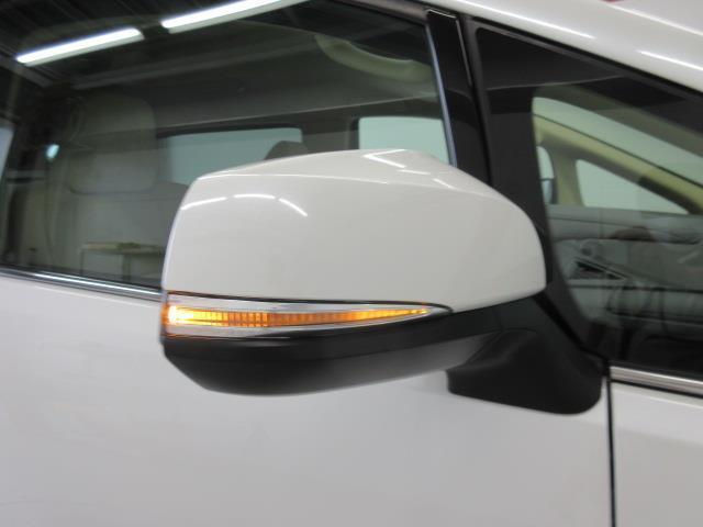 2.5X 4WD メモリーナビ バックカメラ LEDヘッドランプ 乗車定員8人(19枚目)