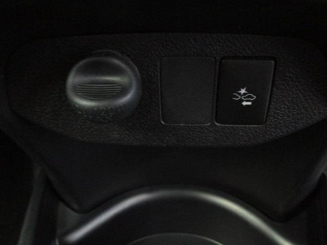 ハイブリッドF ETC レーンアシスト オートマチックハイビーム オートライト ミュージックプレイヤー接続可 USB CD キーレスエントリー アイドリングストップ CVT 盗難防止システム 衝突被害軽減システム(11枚目)