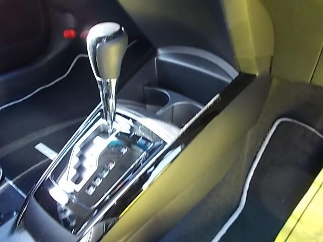 トヨタ カローラフィールダー ハイブリッドG エアロツアラー・ダブルバイビー 純正アルミ