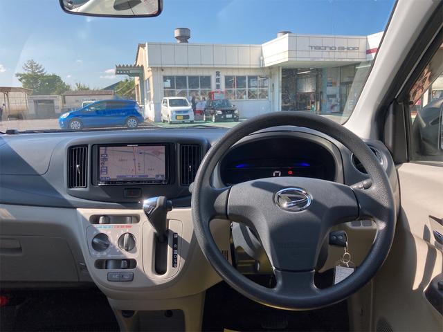 X ナビ Bluetooth CD キーレスエントリー アイドリングストップ 電動格納ミラー CVT アルミホイール 盗難防止システム 衝突安全ボディ ABS エアコン(9枚目)