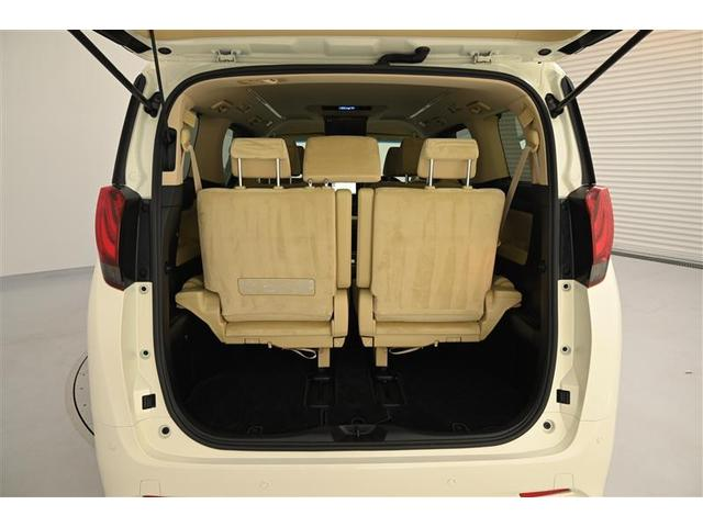 幅広い使い方ができる サードシート&ラゲージスペース