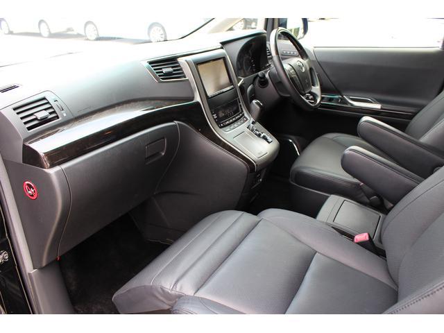 トヨタ ヴェルファイア 2.4Z Gエディション サンルーフ 本革 後席モニターナビ