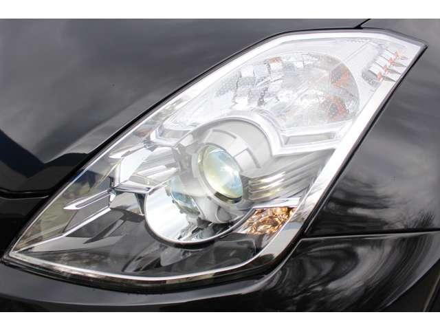 純正HIDヘッドライト付で、夜間時の視界も広がり安全なドライブをお楽しみください!