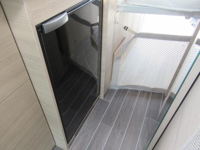 大きい冷蔵庫は12V専用となります☆