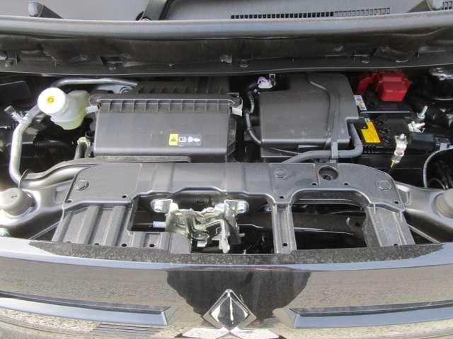 660ccのアイドリングストップ付きエンジンです。