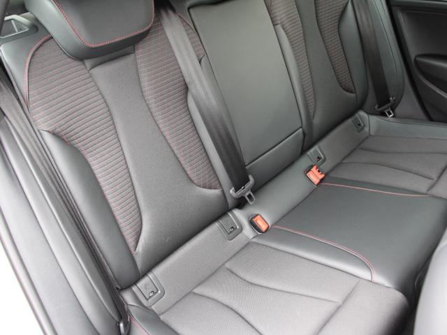 アウディ アウディ S3 スポーツバック LEDパッケージ レッドキャリパー ACC