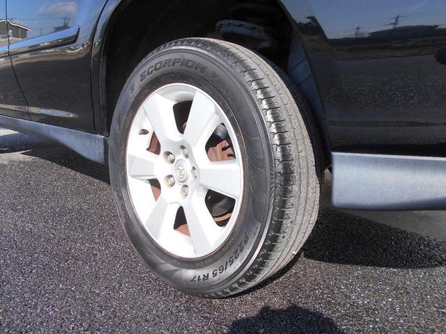 左リヤアルミ・タイヤの画像です。