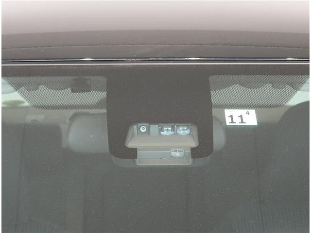 前方の安全を見守るレーザーレーダーと単眼カメラが、事故の回避や衝突被害の軽減を支援します(^^)