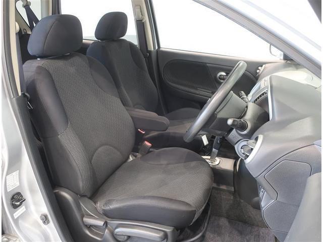 女性が乗り降りしやすい運転席です。