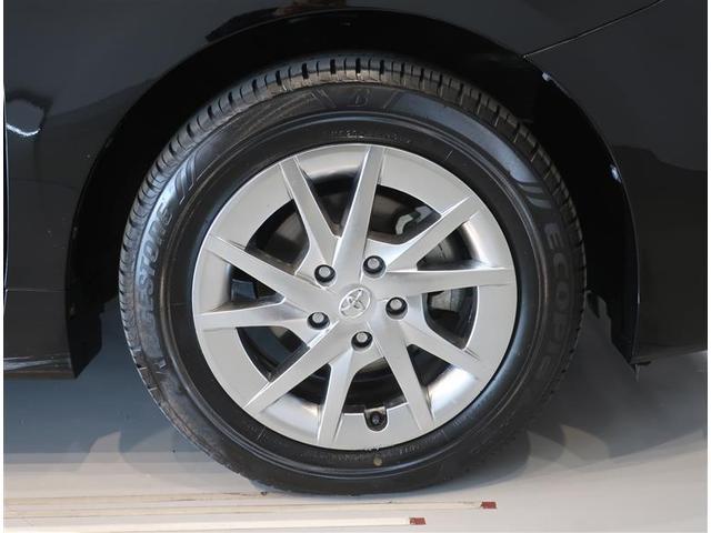 純正アルミホイール装備車です。タイヤサイズは205/60R16