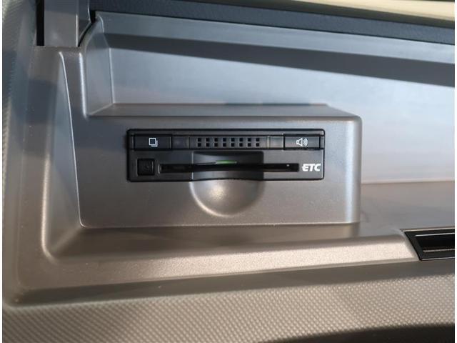 アエラス HDDナビ DVD再生 ETC 電動スライドドア HIDヘッドライト ウオークスルー 乗車定員7人 3列シート ワンオーナー(10枚目)