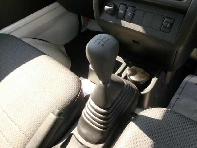気になる匂いや汚れは「まるまるくりん」で解消!車内の匂いや汚れ気になりますもんね〜。「まるまるくりん」の詳細はスタッフまでお問い合わせください!