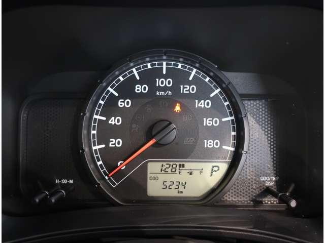 UL-X  4WD  トヨタセーフティセンスC キーレス(6枚目)