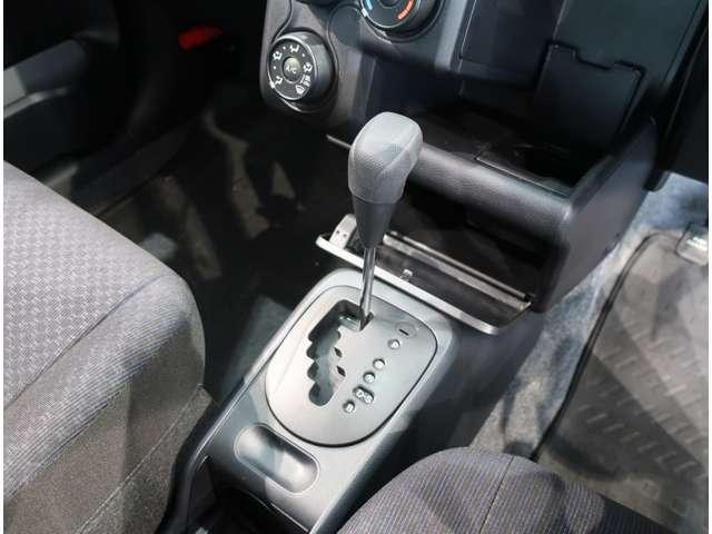 UL-X  4WD  トヨタセーフティセンスC キーレス(10枚目)