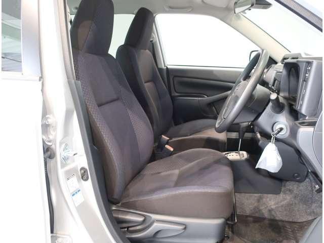 UL-X  4WD  トヨタセーフティセンスC キーレス(13枚目)