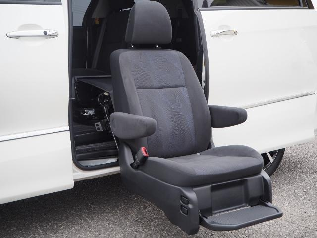 トヨタ エスティマハイブリッド アエラスサイドリフトアップシート ツインモニター両自動ドア