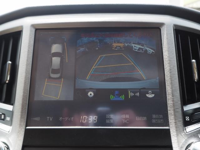 メーカーOP★車両を上から見たような映像をナビ画面に表示するパノラミックビューモニター。運転席からの目視だけでは見にくい、車両周辺の状況をリアルタイムでしっかり確認できます。