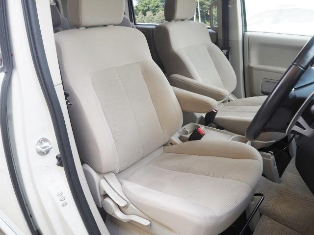 フロントシートには、シートヒーターが内蔵されています。