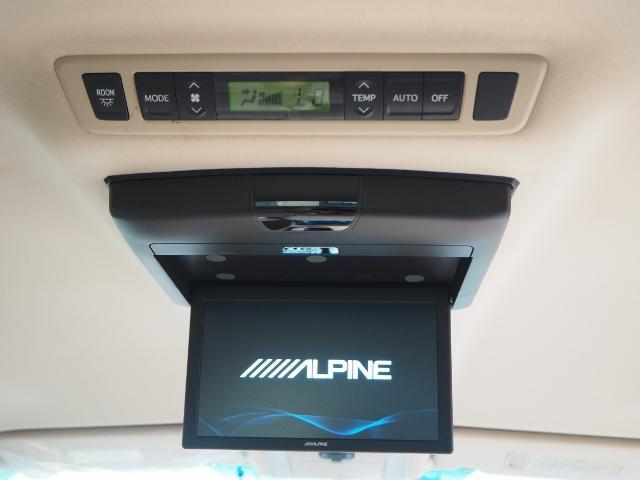 アルパイン10.1インチリアフリップダウンモニター♪付です。大画面ですので、サードシートからでも迫力の映像をお楽しみ頂けます。