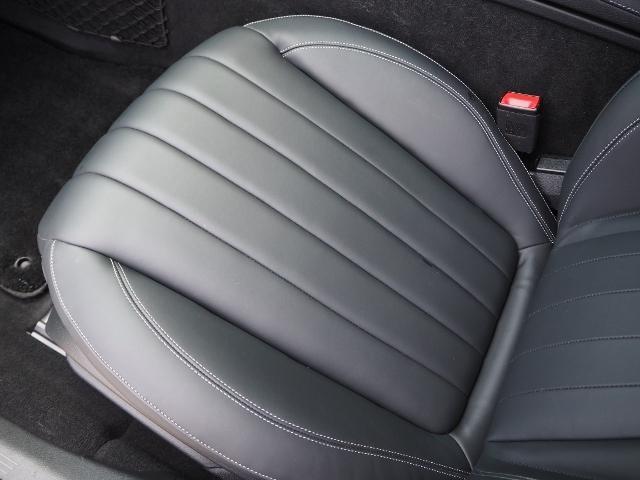 E400 4マチック エクスクルーシブ メーカーオプションエクスクルーシブパッケージ ワンオーナー禁煙車 黒革シート Burmesterサウンド パノラミックスライディングルーフ レーダーセーフティ(22枚目)
