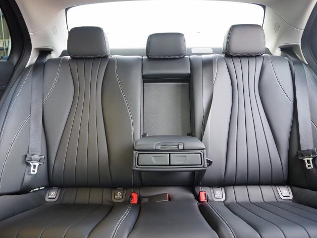 E400 4マチック エクスクルーシブ メーカーオプションエクスクルーシブパッケージ ワンオーナー禁煙車 黒革シート Burmesterサウンド パノラミックスライディングルーフ レーダーセーフティ(23枚目)